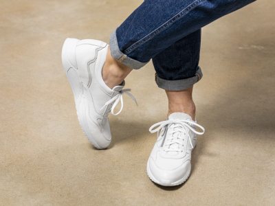 Hoe vind ik comfortabele schoenen voor lang staan?